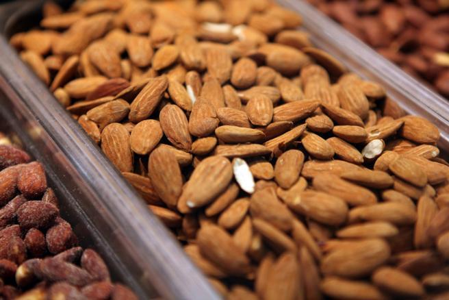 Almendras: un fruto seco lleno de propiedades y beneficios